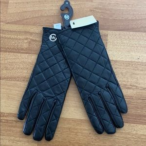 Michael Kors Leather Quilted Black Gloves S
